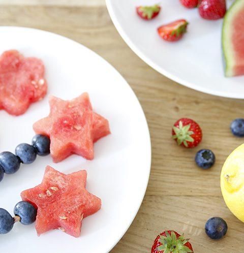 Fruit op een stokje