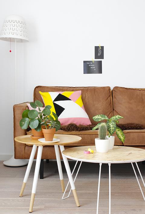 Interieurstyling met geel, roze, wit en zwart