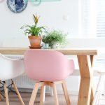 Roze moderne stoel