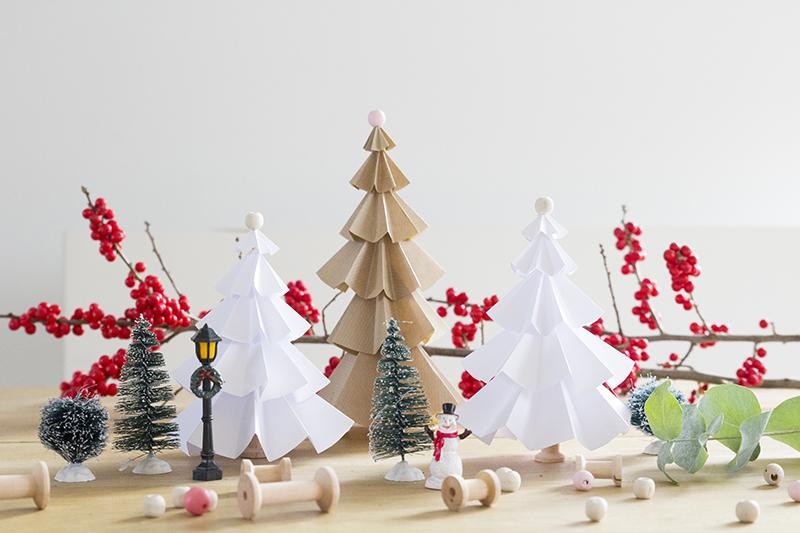 Kerstboompjes van papier